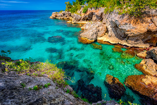 Negril Cliffs are a magnificent spot worth to be seen.